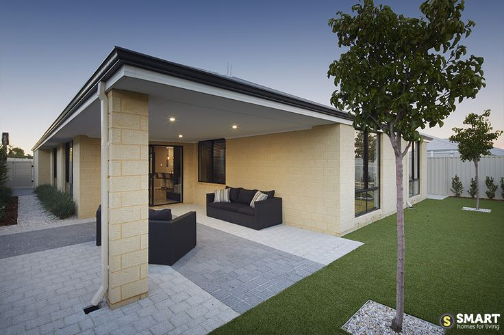 Imagine relaxing in this gorgeous alfresco area, making the most of a spacious backyard.