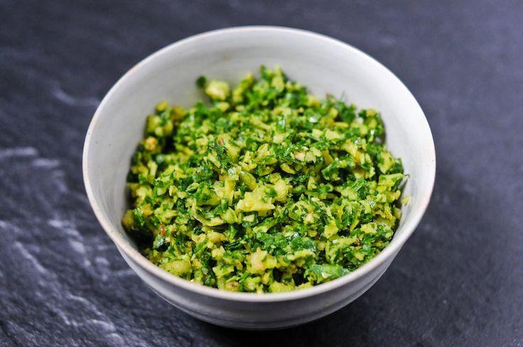 Gremolata à la noisette.... ou + simplement Gremolata traditionnel : persil + ail + zest orange et citron pour parfumer soupes crues et salades