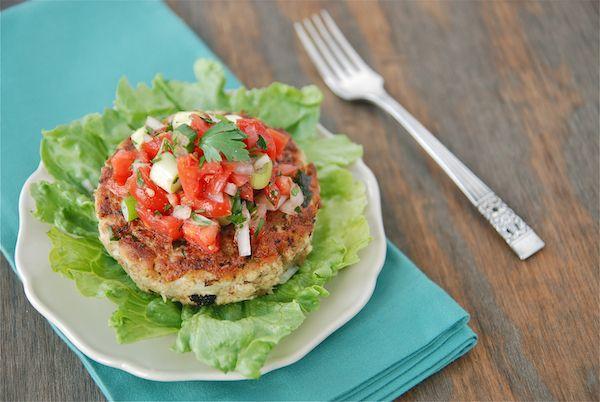 TunaCake- Tuna does have a bad rep, but it's so darn healthy.: Crabs Cakes Recipes, Tuna Cakes, Yummy Salsa, Coconut Cakes, Tuna Patties, Fresh Tomatoes Salsa, Tuna Burgers, Fresh Cakes, Birthday Cakes