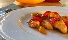 I bocconcini di pollo in padella con peperoni sono un esempio di classica ricetta semplice e veloce ma che vi farà gustare un sorprendente secondo piatto...