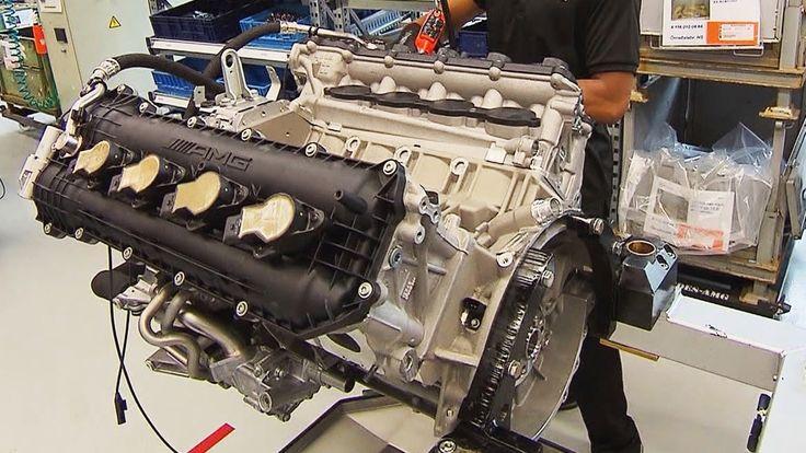 ► Mercedes-AMG 6.2 Liter 32 Valve V8 engine of the Mercedes-AMG SLS