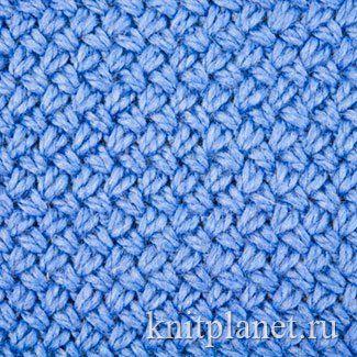 Предлагаем познакомиться с традиционной эстонской вязкой Виккель. Узор образуется при помощи перекрещенных петель. Полотно получается плотным, теплым, слабо растягивается. Традиционно Виккель используется для вязания свитеров, кофт, варежек. Очень эффектна вязка Виккель в многоцветном исполнении.