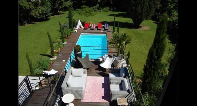 Jardin avec terrasse et piscine : Magnifique ! Découvrez l'intérieure de la maison !