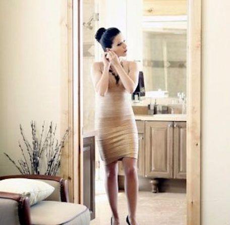 3 robes dorées dans le style de Sophia Bush dans Les Frères Scott : http://www.taaora.fr/blog/post/robe-fourreau-doree-metalisee-bodycon-dress-or-brooke-davis-baker-serie-les-freres-scott-sophia-bush