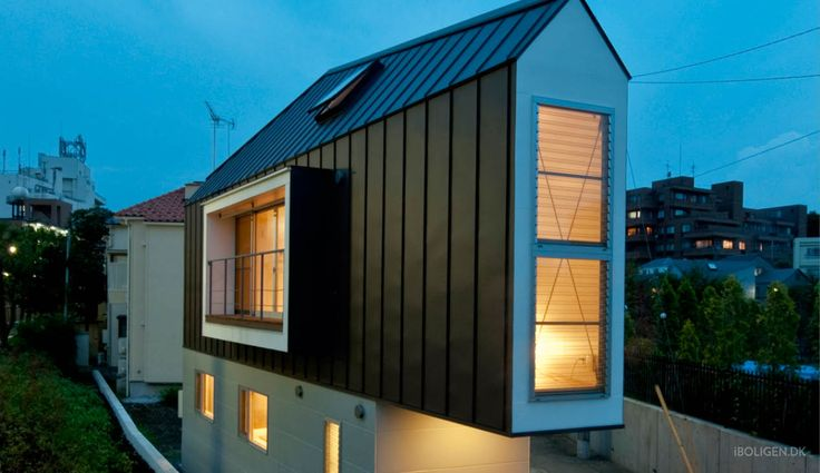 A 55 sqm house - shape like an iron on two blocks.