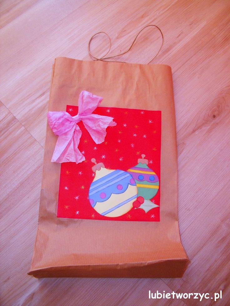 Bożonarodzeniowa paczka prezentowa  #bozenarodzenie #swieta #paczkaprezentowa #lubietworzyc #DIY #zpapieru #christmas #giftpack #prezent #present #gift #papercraft