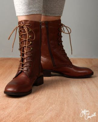 Vintage Boots: Lace Up Boots