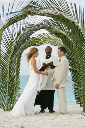 Green Beach Weddings Arch