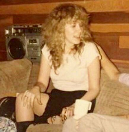 a rare photo of Stevie ~ ღ☆❤☆ღ ~ relaxing somewhere and showing a fair bit of leg