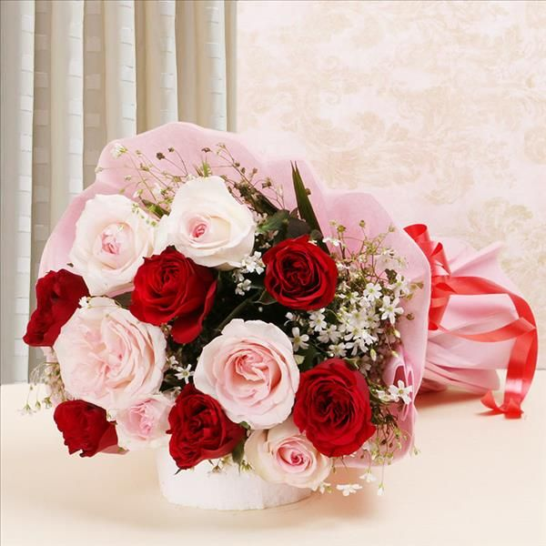 Order Lovely Roses Bouquet Online For Delivery In Lucknow Flower Bouquet Delivery Online Flower Delivery Flower Delivery