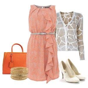 С чем носить белые туфли: бледно-оранжевое платье, светлая кофточка, оранжевая сумка, блестящие украшения