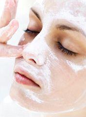 Masque naturel au bicarbonate de soude contre l'acné