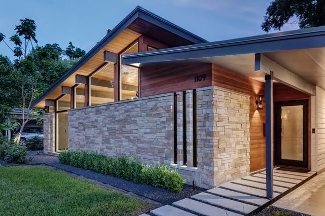 A Roof Raising Remodeling The Re Open House Mid Century Home In 2020 Modern House Exterior Mid Century House House Exterior