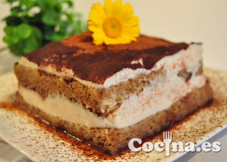 Receta: Tarta de tiramisú para el dia de la madre > http://www.blogcocina.es/2012/05/04/receta-tarta-de-tiramisu-para-el-dia-de-la-madre/