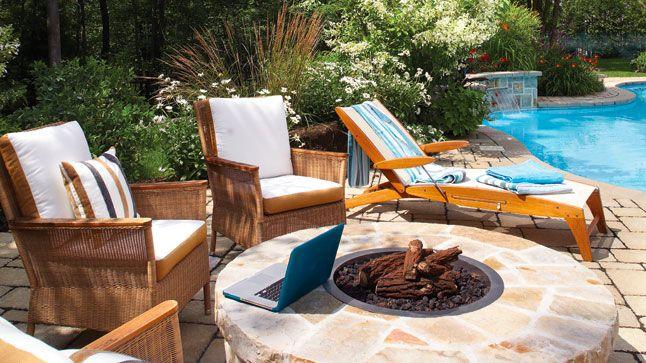 Ode au naturel sur la terrasse au bord de la piscine | CHEZ SOI Photo: Yves Lefebvre