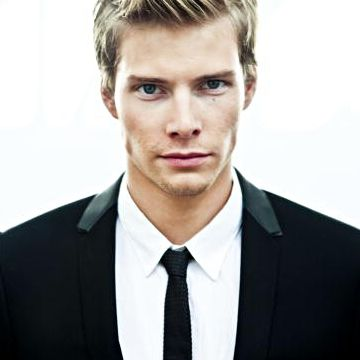 Hunter Parrish. Biggest man crush at the moment