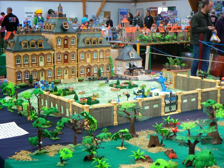 Les 25 meilleures id es de la cat gorie chateau playmobil for Plan chateau fort playmobil