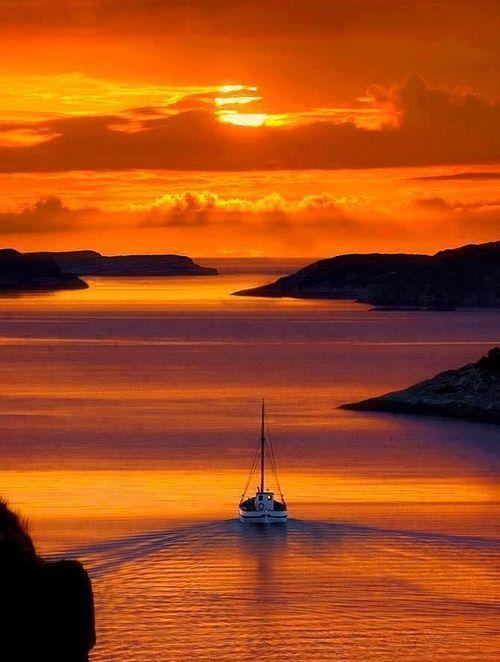 Watch a beautiful #sunset in #Santorini