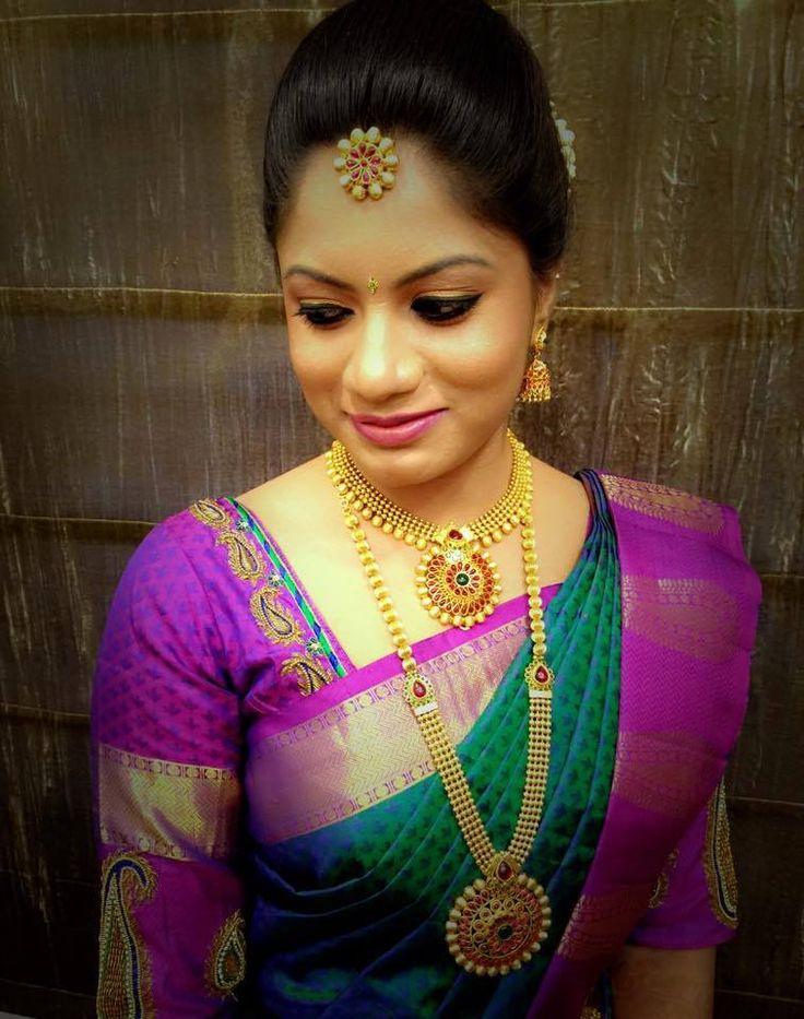 Traditional Southern Indian bride wearing bridal hair, saree and jewellery. Muhurat look. Makeup by Swank Studio. #BridalSareeBlouse #SariBlouseDesign Find us at https://www.facebook.com/SwankStudioBangalore