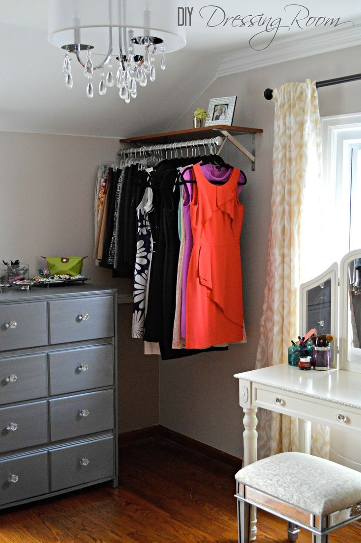 Using a spare bedroom as a dressing room. Love.