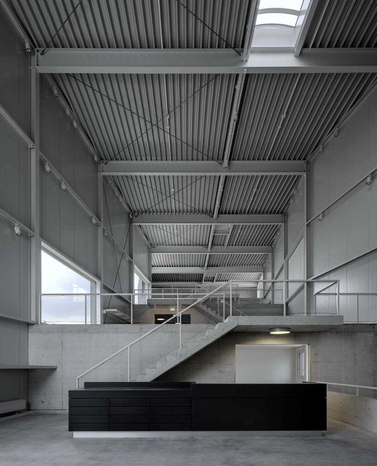 Firmensitz im Kanton Bern von EM2N / Eyecatcher an der Autobahn - Architektur und Architekten - News / Meldungen / Nachrichten - BauNetz.de