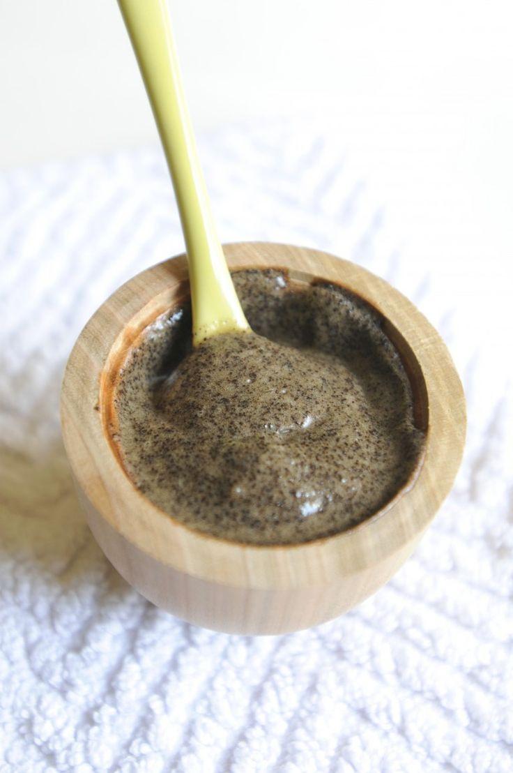 Gommage anti capitons : marc de café + huile de coco + huile d'olive