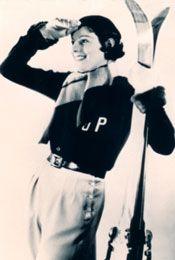 1924 - Jean Patou skiwear  * Jean Patou sera le premier à apposer un monogramme à ses initiales, JP, sur ses créations (1924)