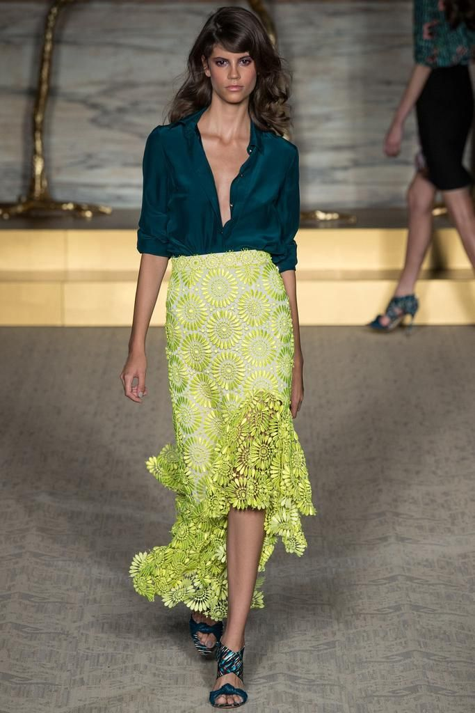 Olivia Palermo's #LFW Pin Picks: Floral motifs for Matthew Williamson SS '15