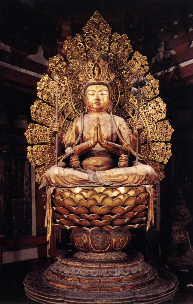 不空羂索観音坐像-fukuukennzyakukannonzazou- (amoghapāśa) One of bodhisattvas.Crystal is inserted in the Statue's eyes. The work of an engraver 康慶. 興福寺(koufukuji)