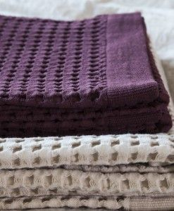Waffle bath towels. 100% cotton. Different sizes, different colors. Bordeaux and sand on the picture.