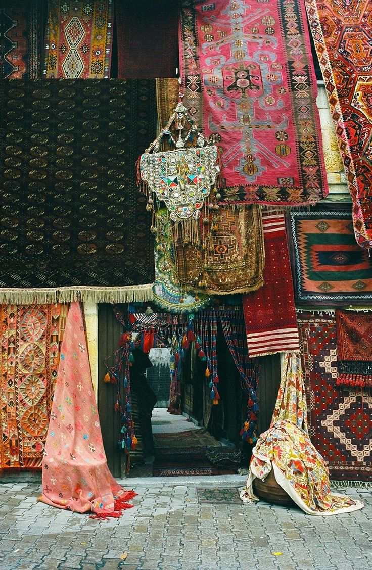 The textiles of Turkey with @sarahirenemurphy
