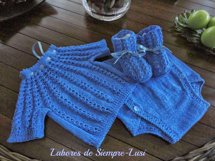 Con este conjunto para bebé comienzo la temporada Primavera-Verano .Desde ya dejo de un lado las lanas para tejer con hilos ya sean de alg...