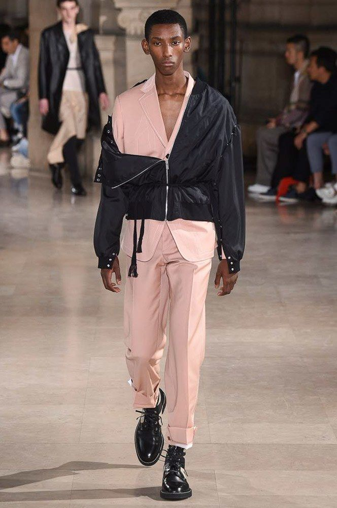 Maison Margiela Spring 2017 Menswear Collection Photos - Vogue für Sie hier vom Gentlemansclub gepinnt . . . - schauen Sie auch mal im Club vorbei - www.thegentlemanclub.de