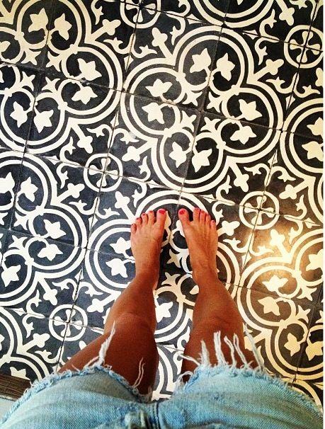 pretty tiles pretty toes
