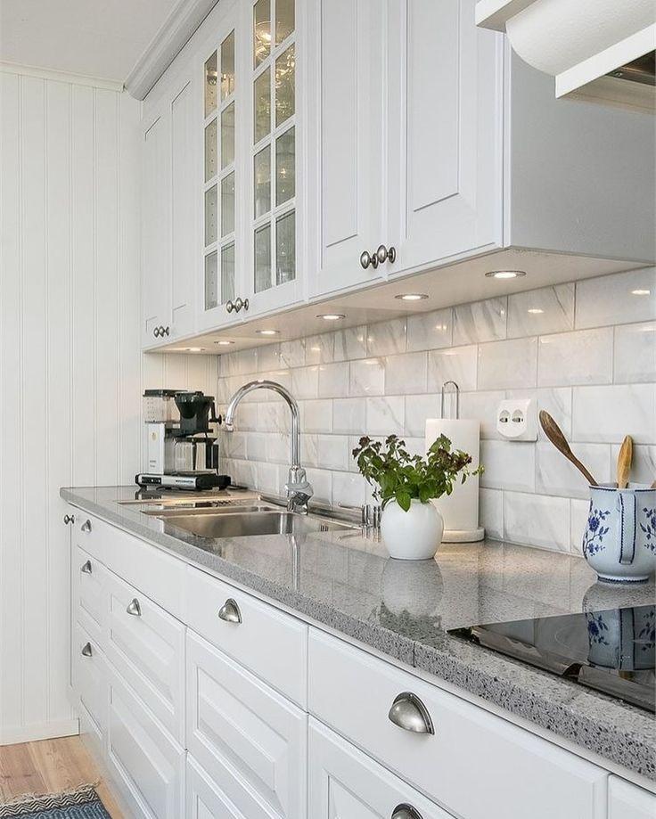 Кухни с белыми столешницами фото снаружи