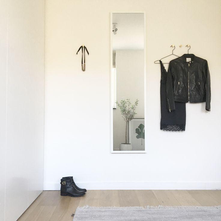 17 beste afbeeldingen over home dressing op pinterest kledingrekken hangkast en kast - Opslag voor dressing ...