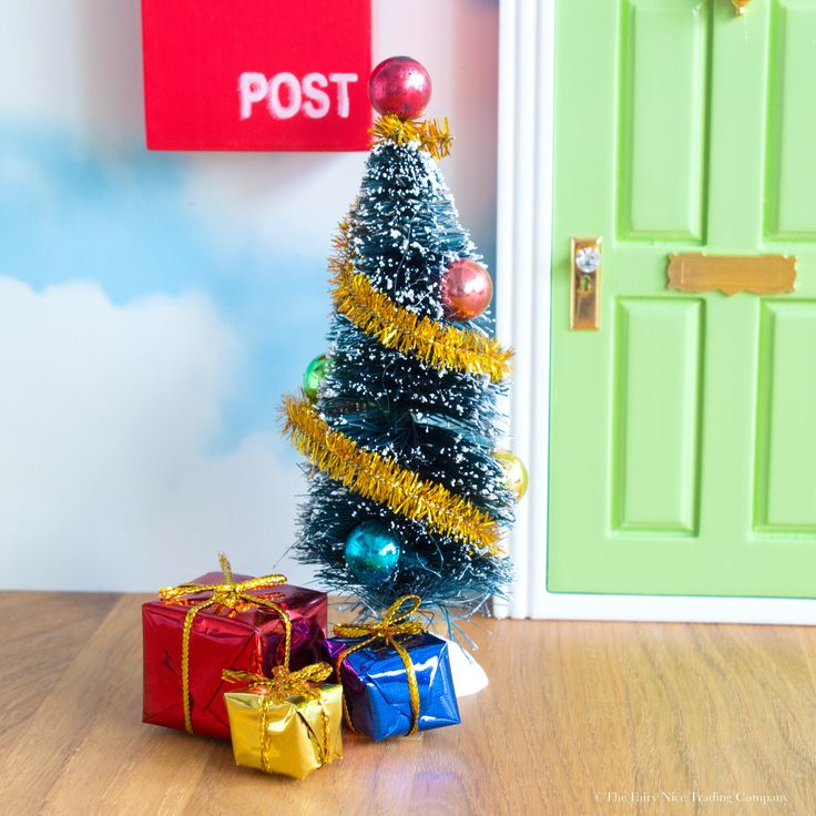 A delightful mini Christmas Fairy Door accessory set that will make your Fairy Door or Magic Elf Door look magical over the Christmas period.