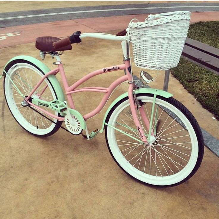 Bicicleta de la foto disponible en nuestra tienda BICICLETA DE MODA URBANA LA DONNA MIGELLA repost @olivka_blog Más