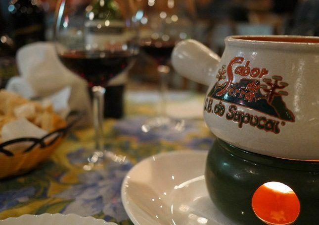 Fondue no restaurante Sabor da Serra, em São Bento do Sapucaí (SP)