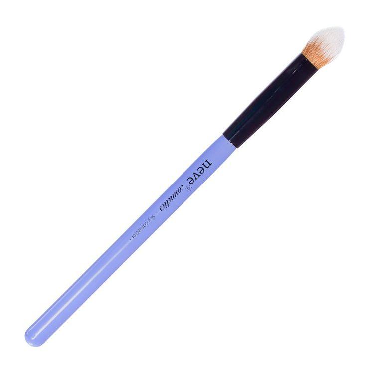 Pinceau estompeur multifonctionnel de Neve Cosmetics pour le visage et les yeux