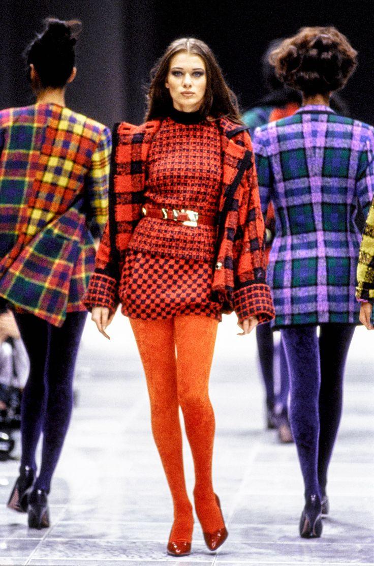 Grunge fashion 1990s men 1990s grunge fashion related keywords - Versace Fall 1991 Ready To Wear Fashion Show Angelika Kallio