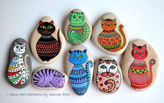Hand Painted Stone Cat / Gatto Dipinto a di ISassiDellAdriatico