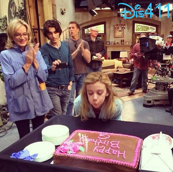"""Photos: G Hannelius Celebrated Her Birthday On The Set Of """"Dog With A Blog"""" December 17, 2013"""