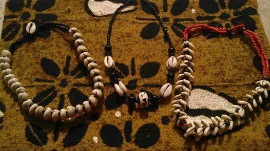 Collane cauri (Provenienza: Senegal)