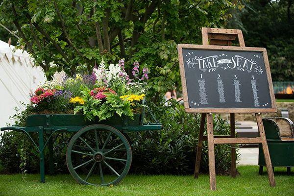 Vintage tea party wedding inspiration // Jerry Cart // Virginias Vintage Hire // The Natural Wedding Company