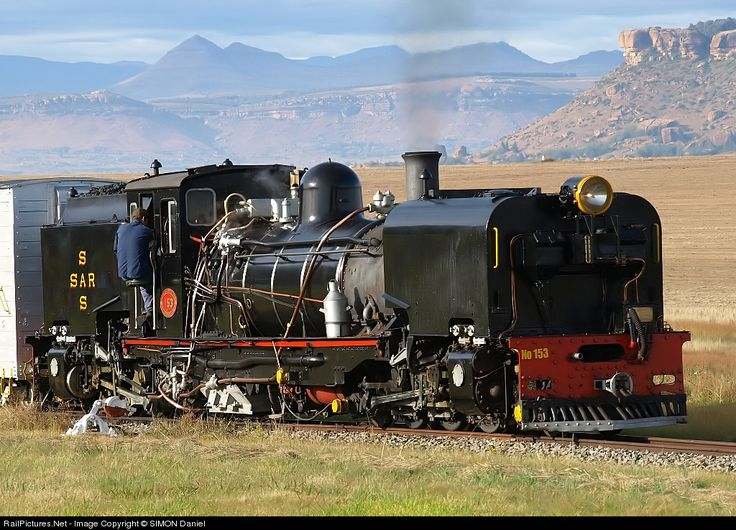 NGG16 Beyer Garratt - Between 1937 and 1968 the South African Railways placed thirty-four Class NG G16 Garratt articulated steam locomotives with a 2-6-2+2-6-2 wheel arrangement in service on the Avontuur Railway and on the Natal narrow gauge lines.
