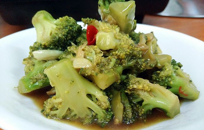 Checkout an easy to prepare, tasty thai recipe of broccoli stir fry at cheenachatti shared by our friend Dr. Suman Sulthana.