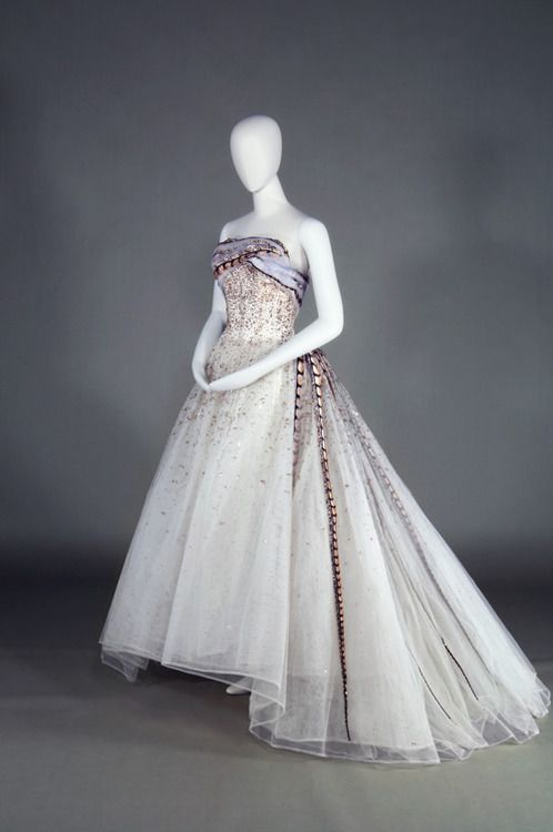 Balmain evening dress, 1961 From the Kobe Fashion Museum via Fashion Press