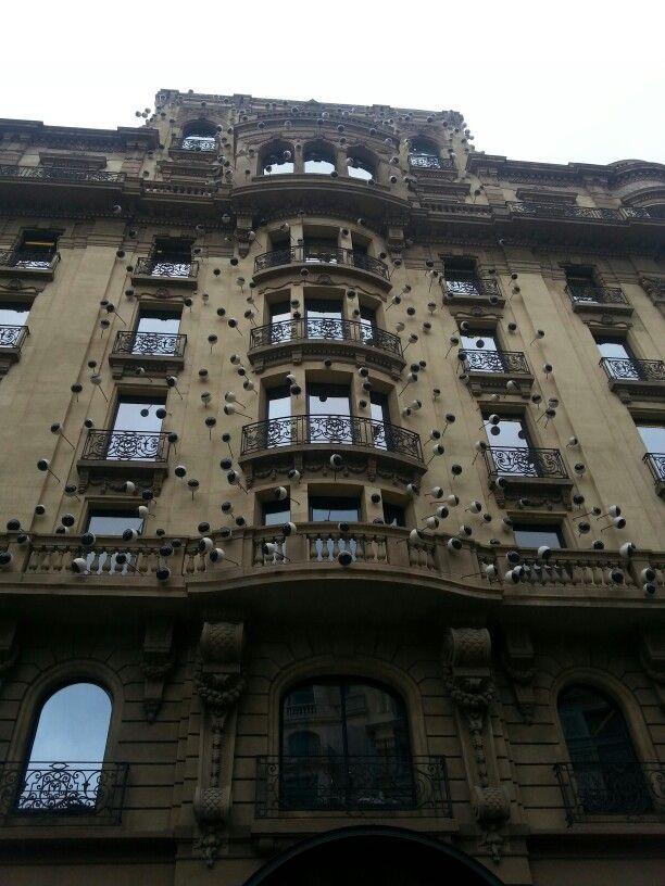 Edificios que todo lo ven. Barcelona