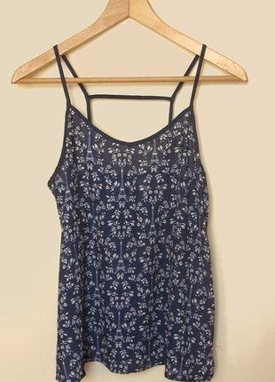 Kup mój przedmiot na #vintedpl http://www.vinted.pl/damska-odziez/koszulki-na-ramiaczkach-koszulki-bez-rekawow/9872964-bluzka-na-ramiaczkach-hm-ciekawy-tyl